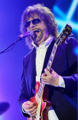 Jeff Lynne's ELO announce 'Alone In The Universe' tour dates